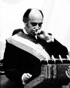 José López-Portillo y Pacheco (Last presidential address to the Nation, 1982; The president broke into tears after announcing the nationalisation of the banks).  Courtesy of Centro de Estudios Espinosa Yglesias