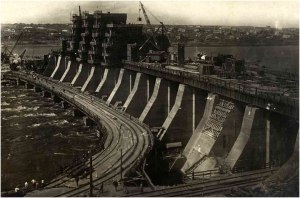 The Dnieper Hydroelectric Station under construction, South-Eastern Ukraine (the work was begun in 1927 and inaugurated in 1932)